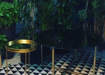 zelta spoguļa galdi